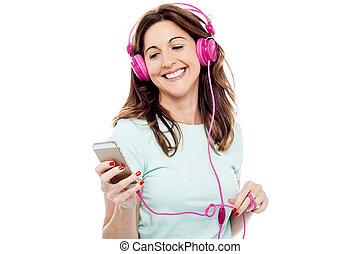 אישה, הזדקן, אמצע, מוסיקה מקשיבה, להנות