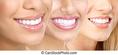 אישה, שיניים