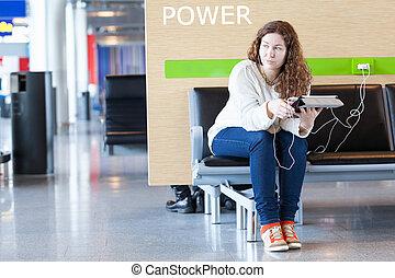 אישה, שקוע במחשבה, מכשירים, טלפן, האשם, שים, אלקטרוני, שלך