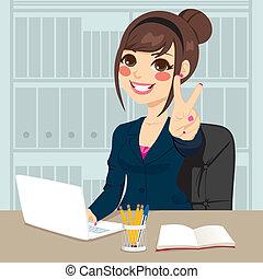 אישת עסקים, לעבוד משרד