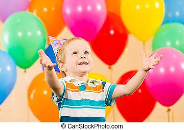 בחור, יום הולדת, ילד, מפלגה, לחייך, בלונים