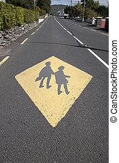 בית ספר, חינוך, סימן צהוב