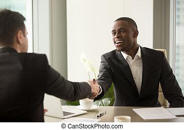 בעלת, עסק, קוקאייזיאני, אטרקטיבי, שותף, אפריקני, איש עסקים