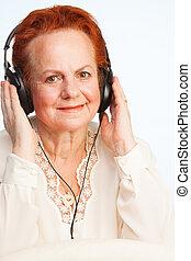 גברת ישנה, להקשיב, מוסיקה
