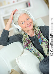 גברת, מוסיקה, בכור, כמה, להקשיב