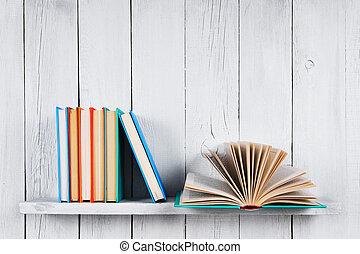 גונוני, books., הזמן, פתוח, אחר
