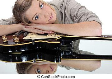 גיטרה, אישה, צעיר, לסמוך