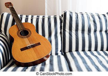 גיטרה, אקוסטי, ספה