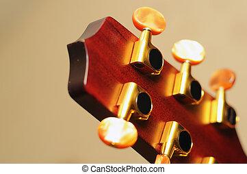 גיטרה, מפתחות, פרט