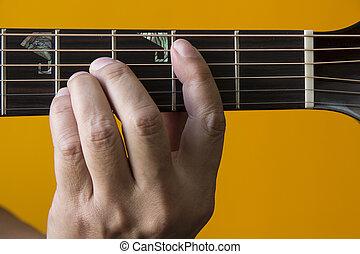 גיטרה, *b*, אקורד