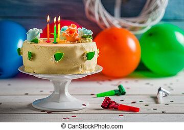 הדלק, נרות, עוגה של יום ההולדת