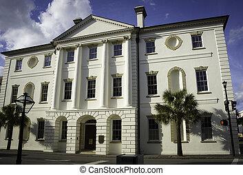 היסטורי, בית משפט