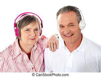 חמוד, קשר, ביחד, מוסיקה מקשיבה, בכור
