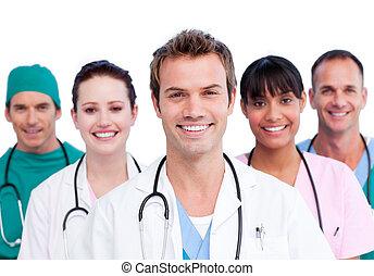 לחייך, צוות רפואי, דמות
