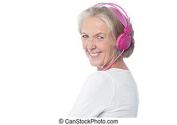מוסיקה, אישה, להנות, הזדקן, today's