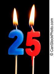 מושג, להשרף, חופשה, לחגוג, שולחן, 25, עשרים, הפרד, רקע., מסגרת, שחור, דמויות, (numbers, תארך, יצור, יום שנה, חשוב, חמשה, dates), נרות, יום הולדת, עוגה