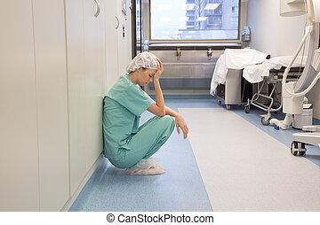 מסדרון, בית חולים, עייף, רופא