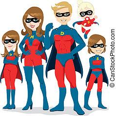 סופרגיבור, תלבושת, משפחה