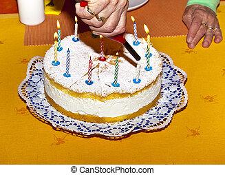 עוגה, נרות, יום הולדת