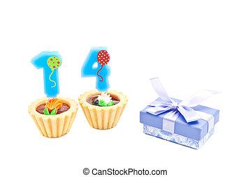 עוגות, ארבעה עשר, נרות, מתנה של יום ההולדת, שנים