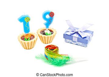 עוגות, מתנה, נרות, שנים, שרוק, יום הולדת, nineteen