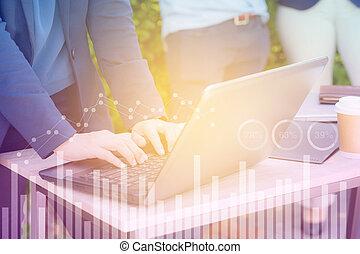 עסק של אישה, לעבוד, להשתמש, חשיפה, כסף, concept., העבר, מחברת, כלכלי, גרף, כפיל, להחליף, אחסן, טכנולוגיה, ממן
