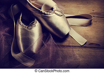 פוינט, נעליים