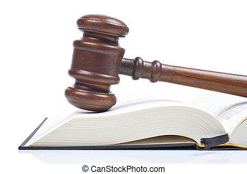 פטיש יור מעץ, ספר של חוק
