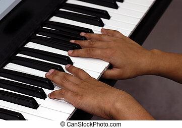 פסנתר משחק