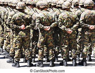 צבא, גברים