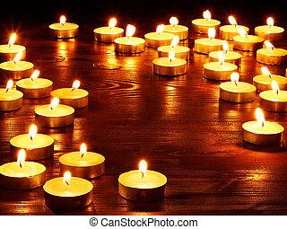קבץ, candles., להשרף