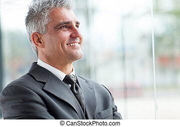 קרוב, דמות, בכור, , איש עסקים