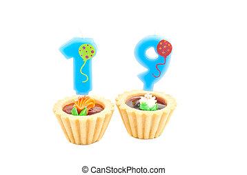 שנים, עוגה של יום ההולדת, נר, לבן, nineteen