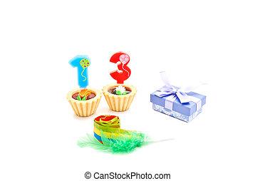 שרוק, עוגות, שלושה עשר, נרות, מתנה של יום ההולדת, שנים, לבן