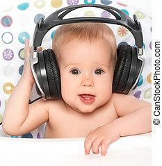 תינוק, אזניות, מוסיקה מקשיבה, שמח