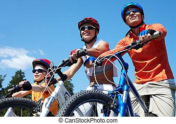 bicycles, משפחה