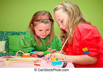 kindergarden, ילדים של בית הספר, עצב, לעשות, לחייך, ציור, לשחק, סוג, שמח